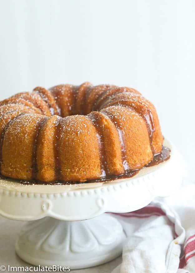 Rum cake with sauce