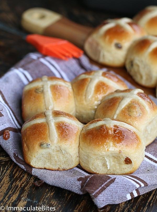 Hot Cross Buns Recipe - Immaculate Bites