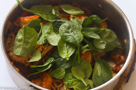 Pasta spinach tomatoes