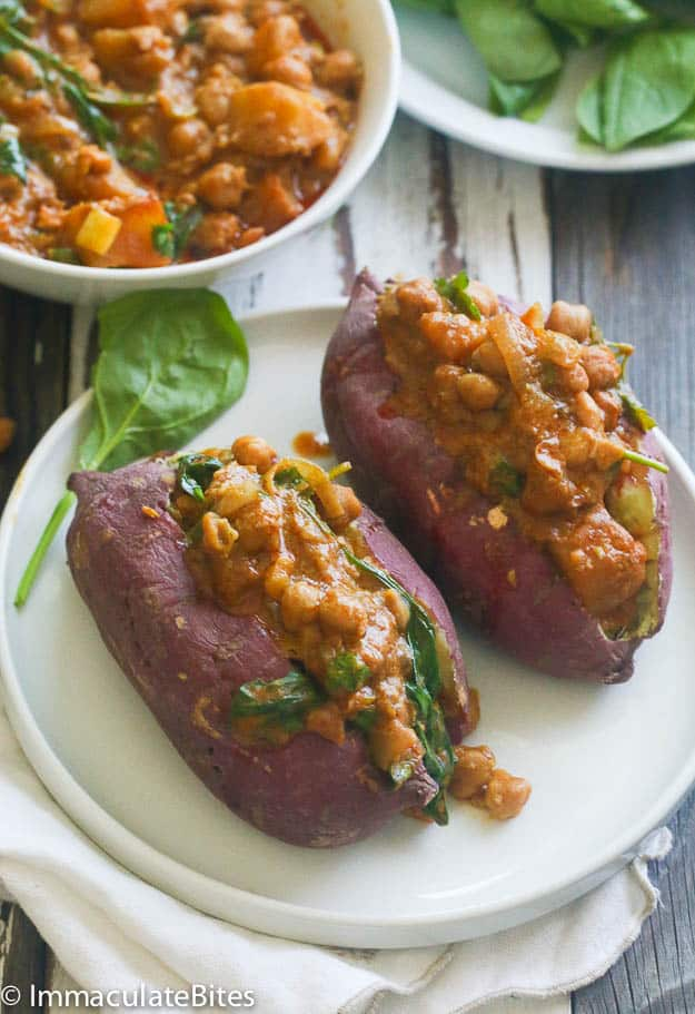 Stuffed sweet potatoes with chickpeas