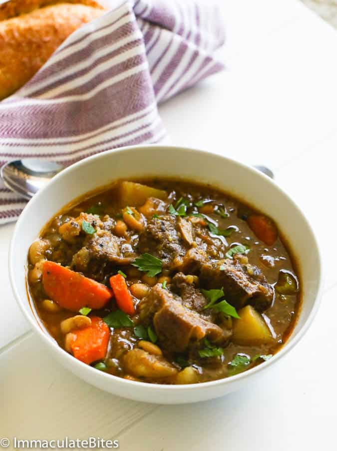 Slow Cooker Oxtail Soup