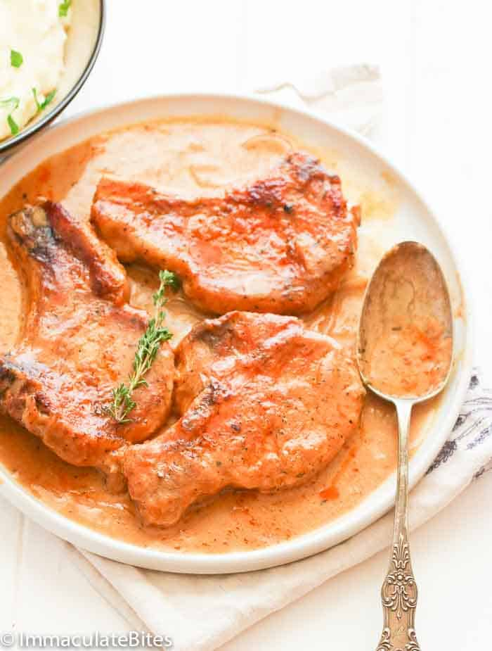 Smothered pork chops immaculate bites you can go for thin cut pork chops or the thick ones but remember that the thicker it is the longer it cooks so you might have to adjust your cooking ccuart Choice Image