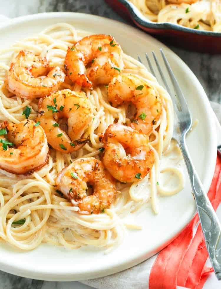 Shrimp Alfredo in a plate