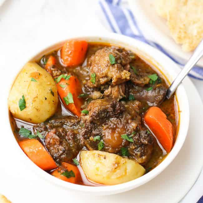 Instant Pot Oxtail Soup