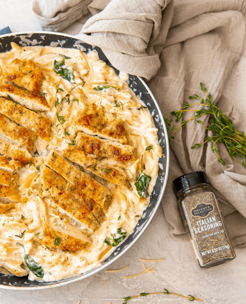 Creamy chicken pasta recipes - Chicken Alfredo