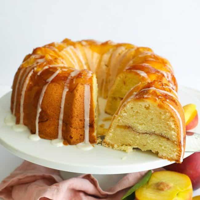 Sliced Peach Cobbler Cake