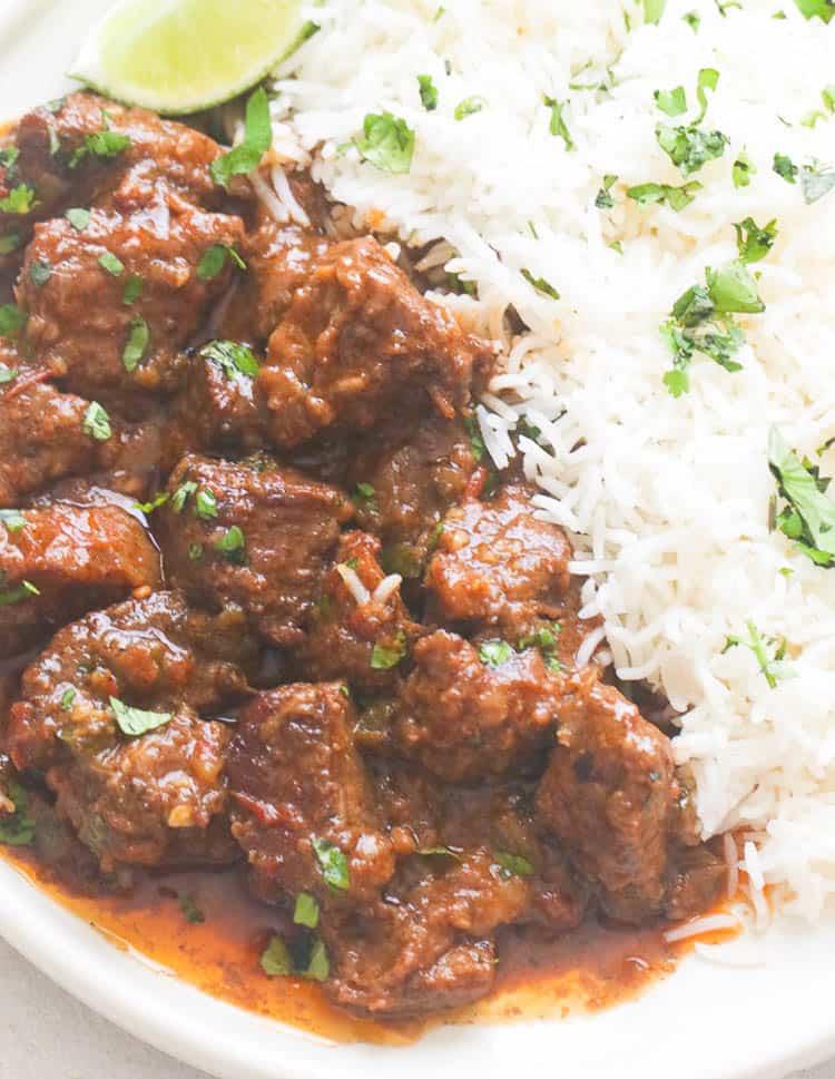 carne guisada with rice