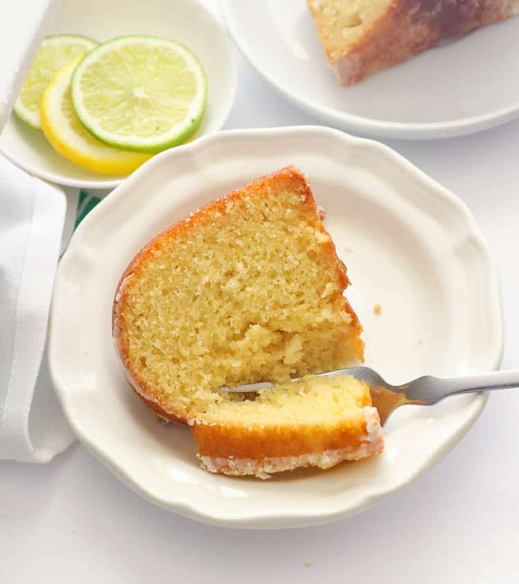 Slice 7UP Pound Cake with Fork