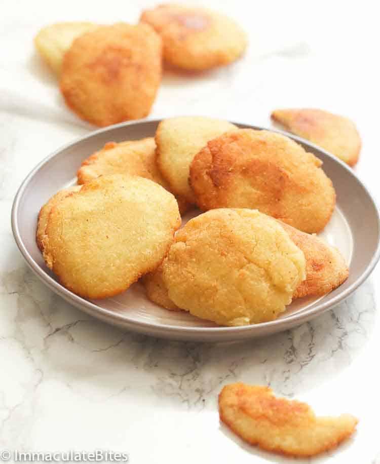 Bite-size cornmeal patties