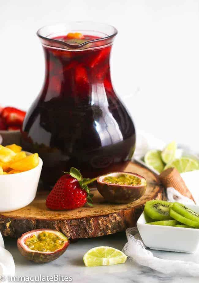Sorrel Fruity Sangria with fresh fruits